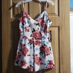 Cute flowered romper white